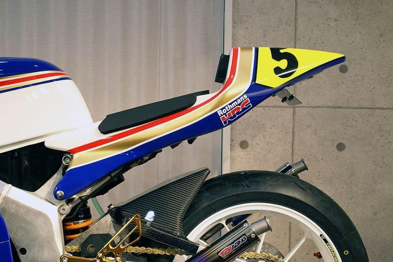 T2 Racing TYPE-4 シートカウル MC28 ストリートタイプ NSR250R MC21/ テールユニット:スモークレンズ テールユニット�蓋:黒ゲル T2レーシング